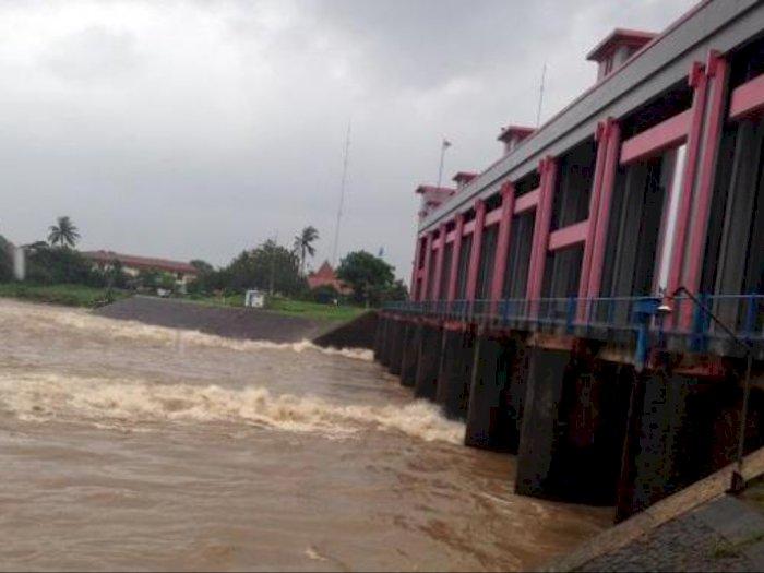 Tinggi Muka Air Hingga 220 cm, Pintu Air Pasar Ikan Jakarta Utara Berstatus Siaga II