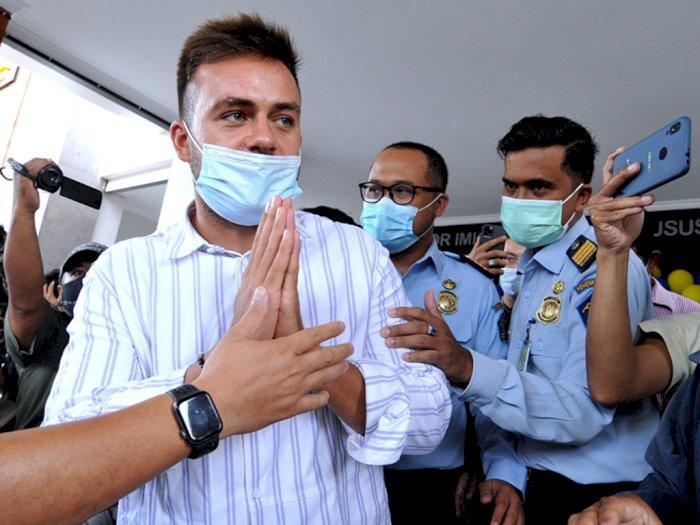 Bule Rusia Sergei Kosenko Akhirnya Diusir dari Bali Akibat Buat Pesta saat Pandemi