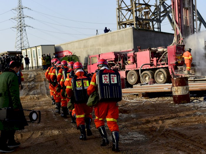 Setelah Terjebak Selama 14 Hari, Tim SAR Berhasil Selamatkan Penambang Emas di Tiongkok
