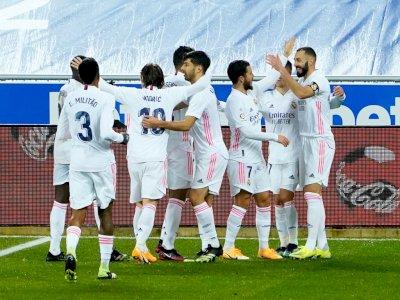 Eden Hazard dan Karim Benzema Bawa Real Madrid Unggul dari Alaves 4-1