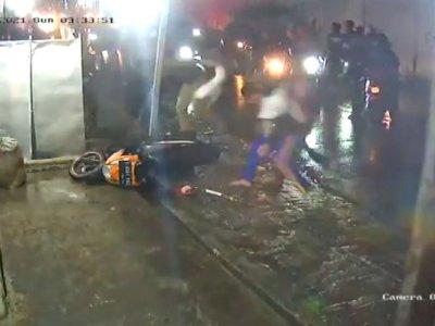 Viral! Pemotor Diserang Gangster di Tangerang, Polisi: Bukan Begal tapi Tawuran