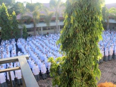 Terkuak! 46 Siswi Nonmuslim di SMKN 2 Padang Semuanya Pakai Jilbab, Kecuali Jeni Hia