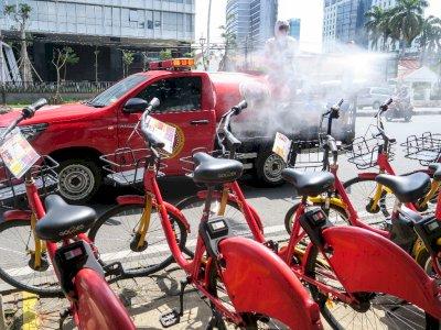 FOTO: Disinfeksi Fasilitas Umum di Jakarta