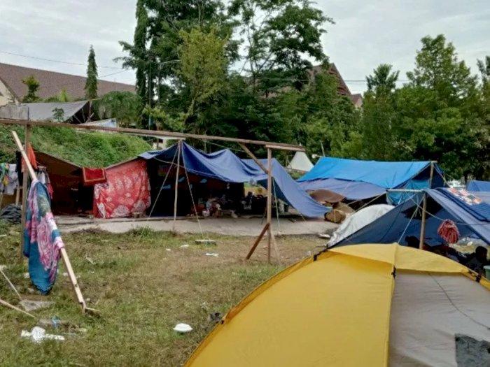 Ribuan Pengungsi Korban Gempa Mamuju Belum Mau Pulang ke Rumah
