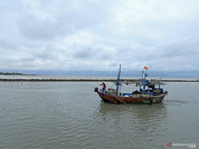 Malaysia Tahan 2 Kapal dan 16 Nelayan Vietnam yang Langgar Perbatasan