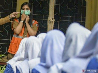 Siswi Kristen Dipaksa Berjilbab, Eks Wali Kota Padang: Supaya Siswi Tidak Digigit Nyamuk