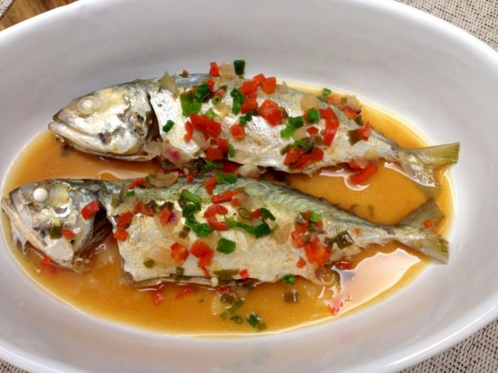 Olahan Ikan untuk Lauk Makan Siang: Steam Kembung Daun Kelor