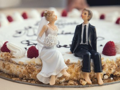 Unik, Pasangan Pengantin Ini Hidangkan Mi Instan Untuk Para Tamu