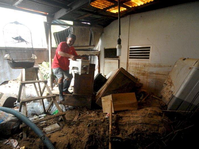 FOTO: Pemulihan Pasca Banjir di Manado