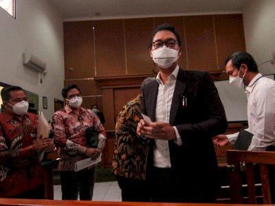 FOTO: Sidang Pertama Gugatan Raffi Ahmad Ditunda