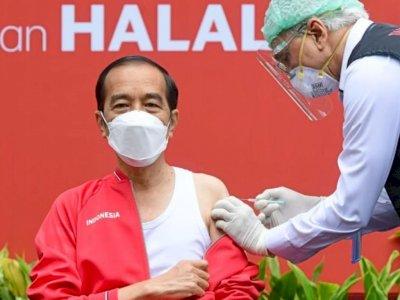 Presiden Jokowi Targetkan 1 Juta Orang Divaksin per Hari