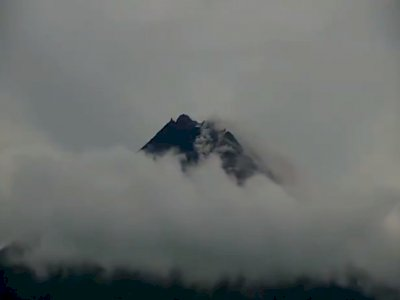 Gunung Merapi Semburkan 36 Kali Awan Panas, dengan Jarak Luncur 3 Km