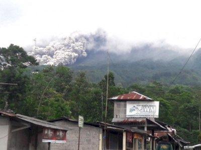 BPPTKG Catat Gunung Merapi 22 Kali Luncurkan Awan Panas Guguran