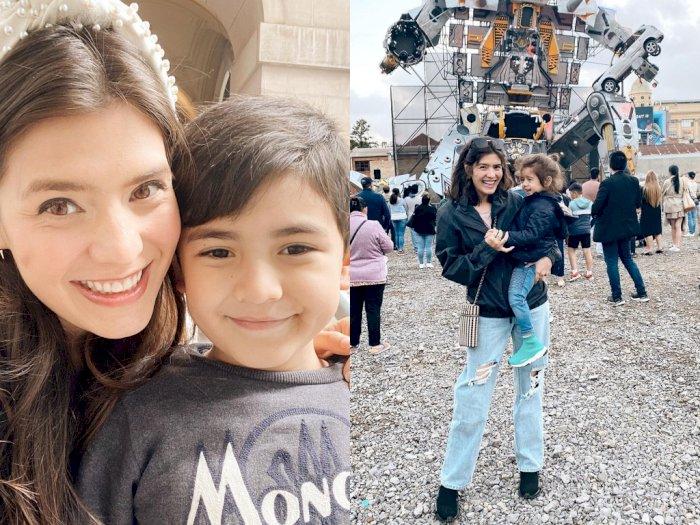 Unggah Momen Bareng Anak, Carissa Putri Ajak Zenecka Lihat Robot SPACEland di Melbourne