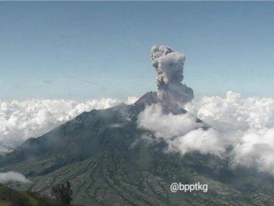 Guguran Awan Panas Gunung Merapi Meningkat, Warga Dusun Turgo Dievakuasi