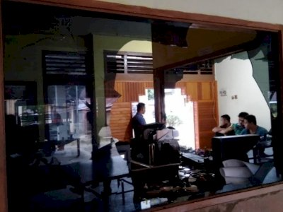 DPO Judi Ditembak Mati, Puluhan Warga Ngamuk dan Kantor Polsek di Sumbar Dilempari Batu
