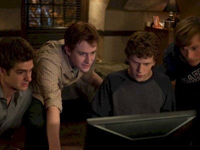 Sinopsis The Social Network (2010) - Kisah Awal Mula Terciptanya Facebook