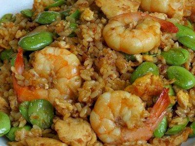 Nikmatnya Sepiring Nasi Goreng Petai Udang Pedas untuk Makan Malam
