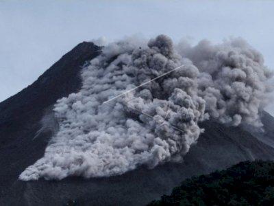 Gunung Merapi Luncurkan Awan Panas Guguran Sejauh 1.500 Meter