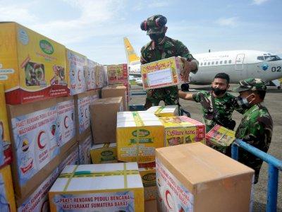 Ratusan Kilogram Rendang di Kirim ke Sulawesi Barat Untuk Korban Gempa