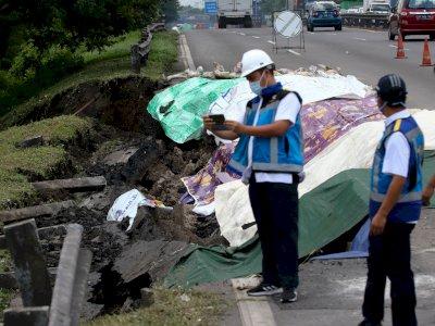 FOTO: Ruas Tol Surabaya-Gempol Ambles