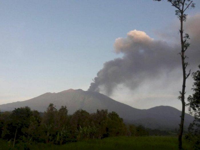 Gunung Raung Meletus, Bandara Banyuwangi Ditutup dan 3 Penerbangan Dibatalkan