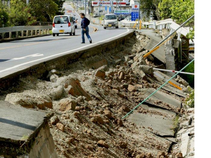 Akibat Gempa Jepang: Lebih dari 100 Orang Terluka dan Operasional Kereta Terhenti