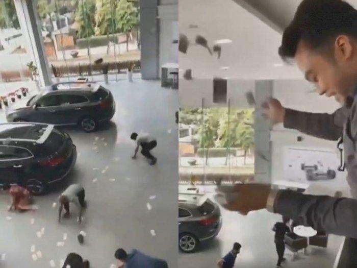 Viral Bos Dealer Menaburkan Uang ke Para Karyawannya Hingga Banjir Kritik Pedas Netizen