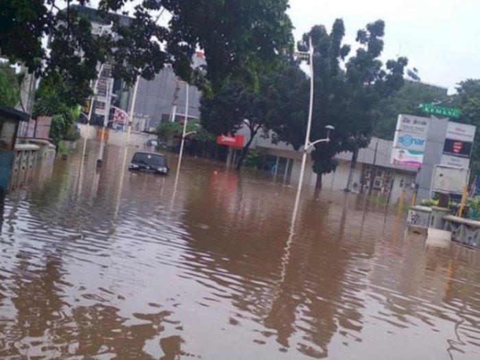 Sejumlah Pemukiman Warga di Jakarta Selatan Terendam Banjir hingga 2 Meter