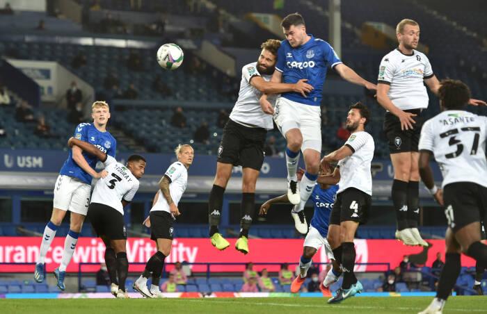 Michael Keane dari Everton mencetak gol pertama mereka