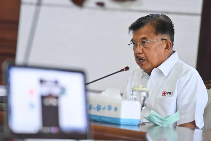 Ketua Umum Palang Merah Indonesia (PMI) Jusuf Kalla menyampaikan pidato kemanusiaan saat mengikuti peringatan HUT PMI ke-75 secara virtual di Markas PMI, Jakarta, Kamis (17/9/2020)