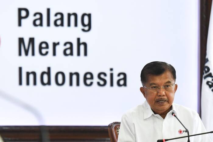 Ketua Umum Palang Merah Indonesia (PMI) Jusuf Kalla menyampaikan pidato kemanusiaan saat mengikuti peringatan HUT PMI ke-75 secara virtual di Markas PMI, Jakarta, Kamis (17/9/2020).