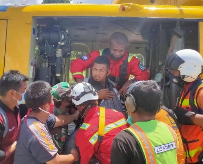 Dramatis, Begini Proses Evakuasi Kru Heli yang Hilang di Papua Pakai Tali