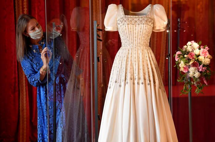 Pameran gaun pengantin putri Beatrice