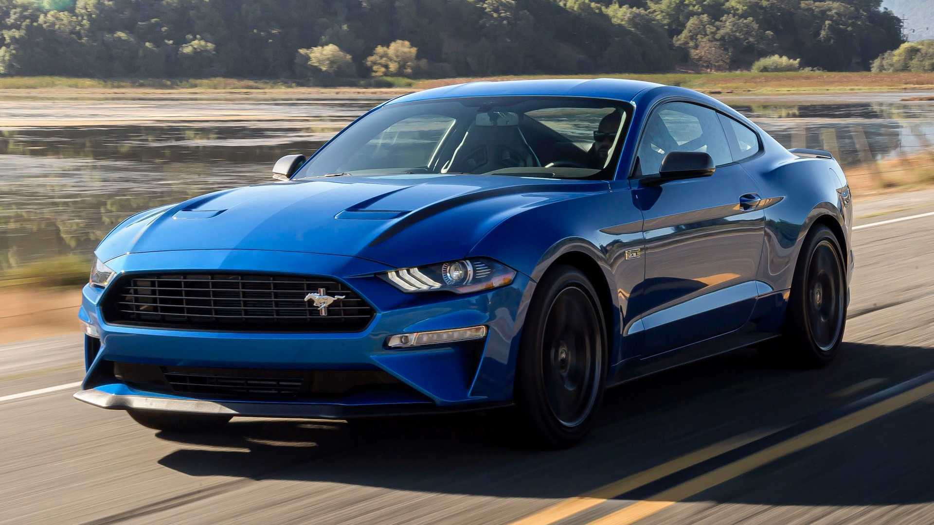 Mobil Ford Mustang EcoBoost High Performance 2020