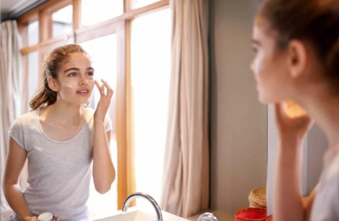 panduan perawatan kulit wajah bagi remaja perempuan