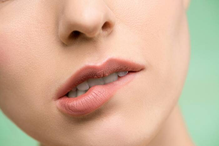 penyebab bibir pecah pecah dan bibir kering