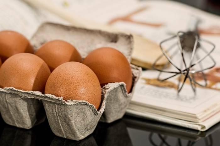 pengobatan rumahan alami mengatasi rambut rontok dengan putih telur