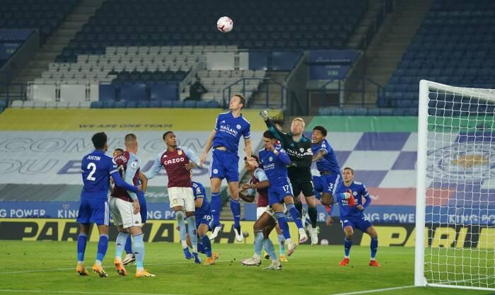 Kasper Schmeichel Leicester City beraksi