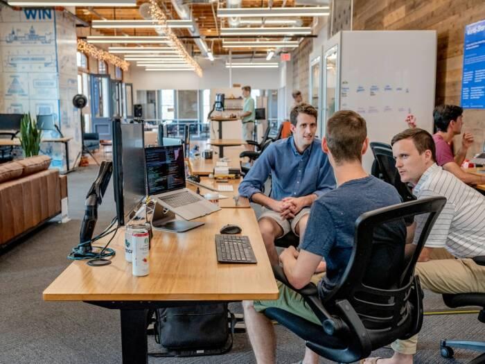 cara mengatasi stres pemicu masalah mental bagi pekerja kantoran