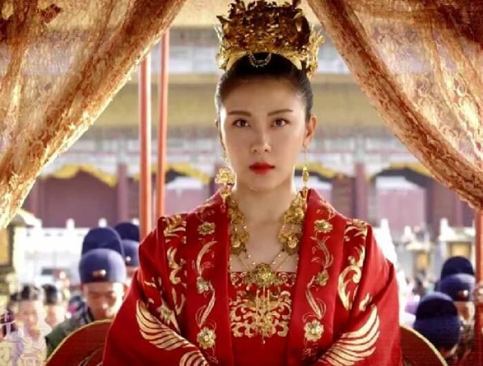 "Ha Ji-won dalam serial drama ""Empress Ki (2013)""."