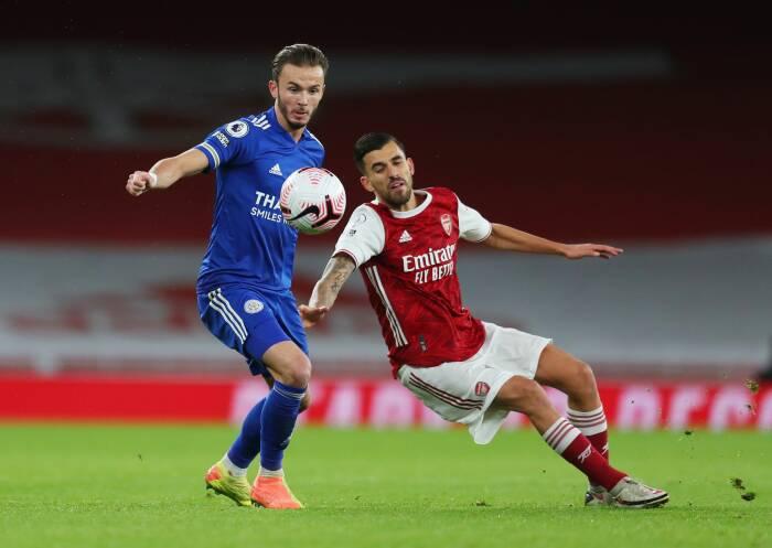 James Maddison dari Leicester City beraksi dengan Dani Ceballos dari Arsenal