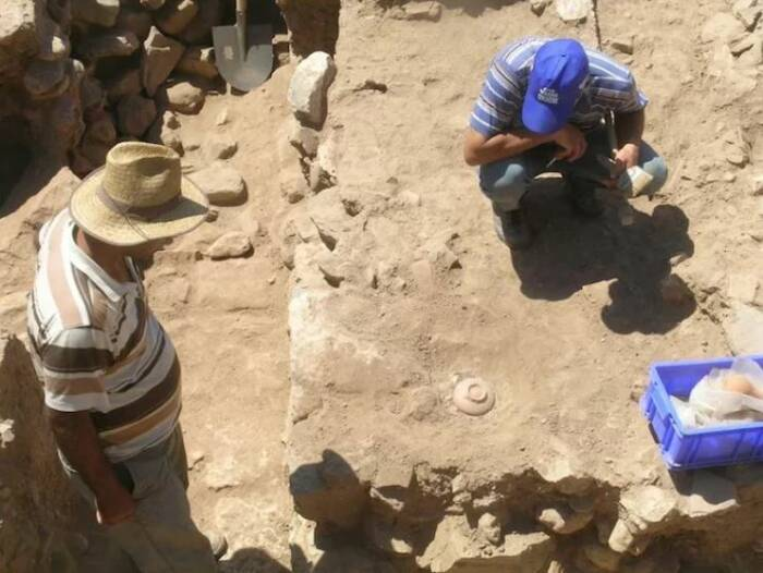 Ritual pengusiran setan dan bencana kuno di Sardis Turki