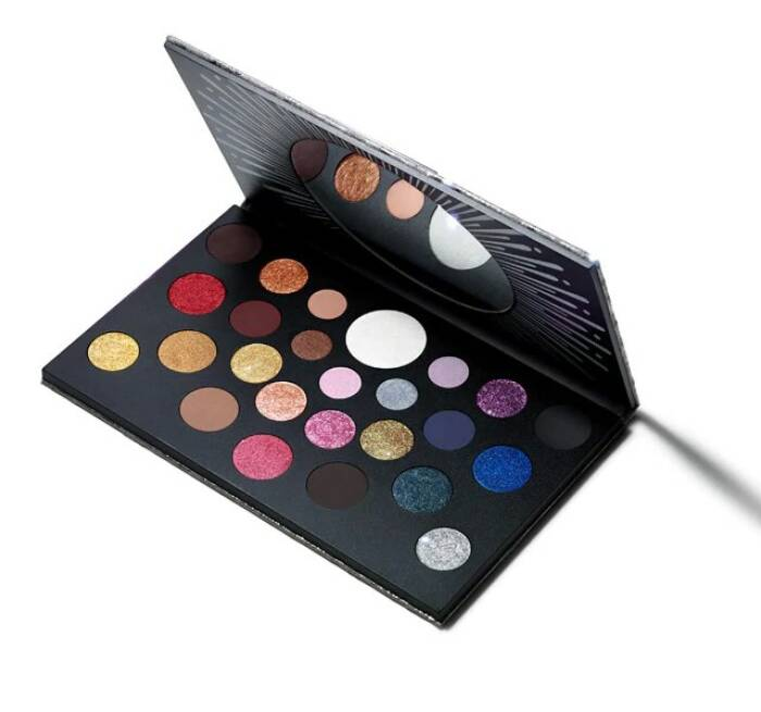 M.A.C. Grand Spectacle Eye Shadow x 25 Palette