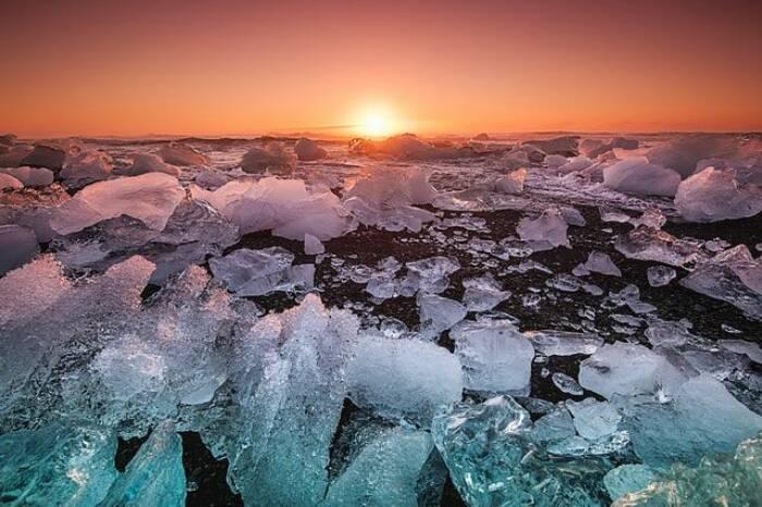 Ini Perbedaan Kutub Utara dan Kutub Selatan yang Jarang Diketahui