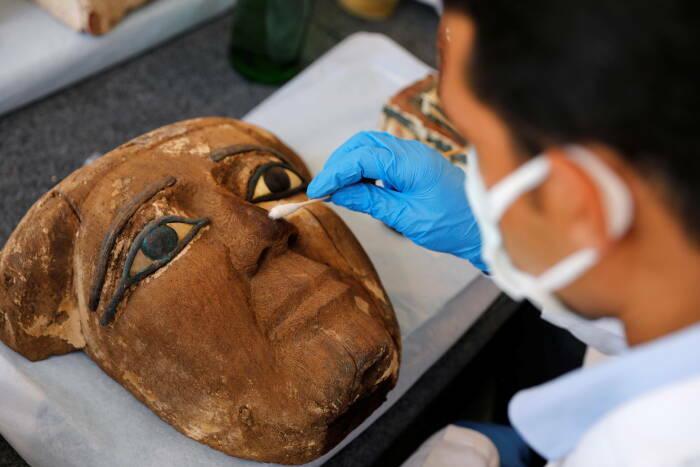 Mesir Pamerkan Mumi yang Terkubur 2.500 Tahun, Apa Saja Isinya?