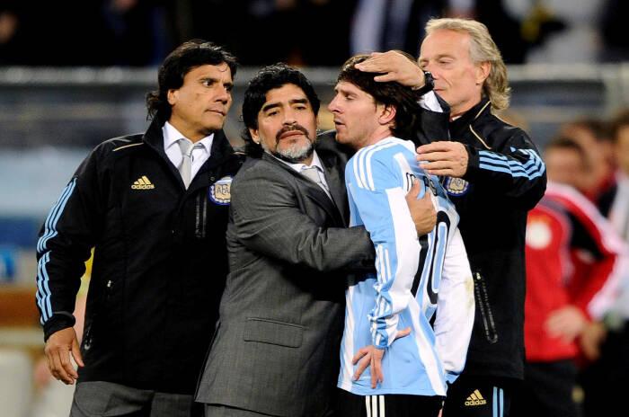 Diego Maradona dan Lionel Messi (REUTERS/Dylan Martinez)
