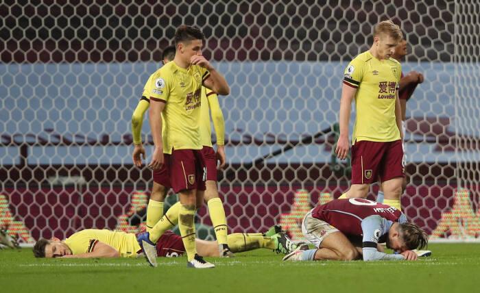 Aston Villa Jack Grealish terlihat sedih setelah kehilangan kesempatan
