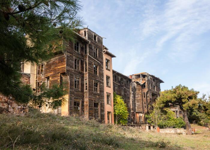Panti Asuhan Prinkipo, Bangunan Kayu Tertua dan Terluas Eropa
