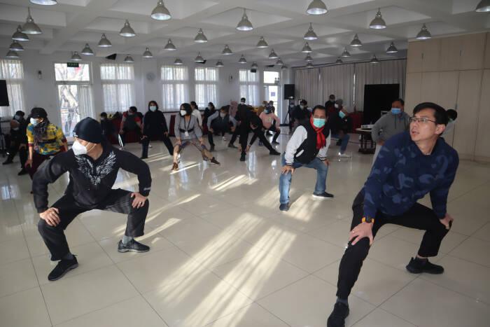 Staf Kedutaan Besar RI dan warga negara Indonesia di Beijing